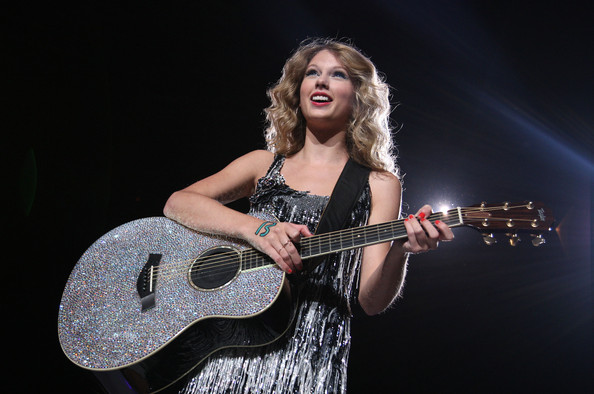 Taylor Swift perfroms at Madison Square Garden on Aug. 27 - Getty Images