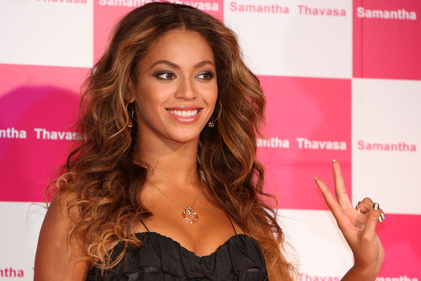 Out about beyonce meets and greets at samantha thavasa event in beyonce getty images m4hsunfo