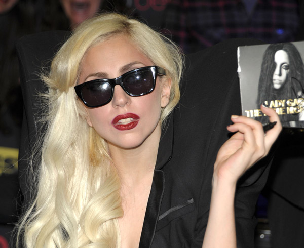 Lady GaGa signs her new album for fans - Wireimage
