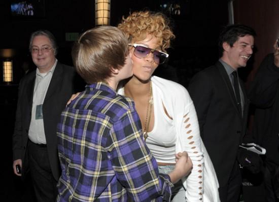 justin bieber grammys 2010. Justin Bieber and Rihanna -