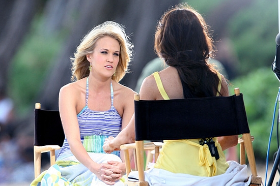 """Carrie Underwood Gets Movie Star Treatment On """"Soul Surfer ..."""