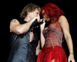 Jon Bon Jovi and Rihanna - TwitPic