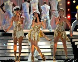 Keri Hilson, Katy Perry, Jennifer Nettles - Wireimage