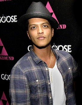 Bruno Mars VMAs performer