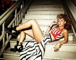 Rihanna - WhoSay