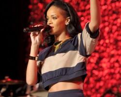 Rihanna AUE 4