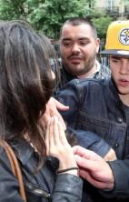 Justin Bieber Mobbed Paris 5