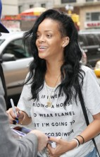 Rihanna No Makeup 1