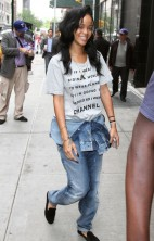 Rihanna No Makeup 6