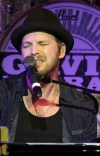 Gavin DeGraw - Stacey Johnson/Neon Limelight