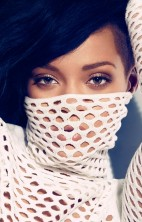 Rihanna Bazaar 3