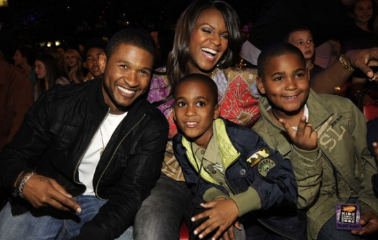 Usher's Son: First Photo After Pool Accident — Tameka Hugs ... |Usher Daughter Dies