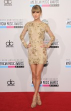 Taylor Swift AMAs 2