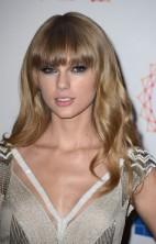Taylor Swift EMA 3