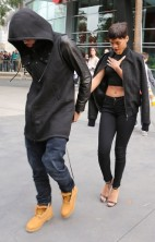 Rihanna Chris Brown Lakers 4