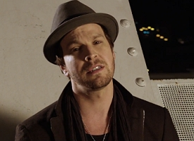 "Gavin DeGraw in ""Soldier"" music video"
