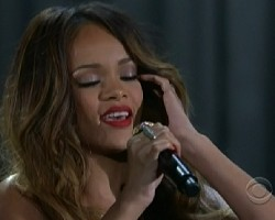 rihanna grammys 2013 video