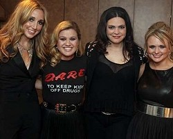 Kelly Clarkson and Pistol Annies - Sony