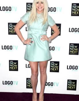 Kesha NewNowNext 1