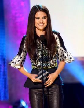 Selena Gomez NewNowNext 2