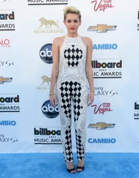 Miley Cyrus BBMA 1