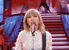 """Taylor Swift in """"Red"""""""