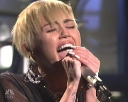 miley cyrus snl 2013 video