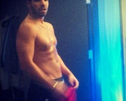 drake shirtless backstage gp